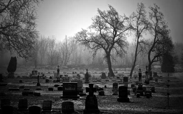 que significa soñar en un cementerio caminando